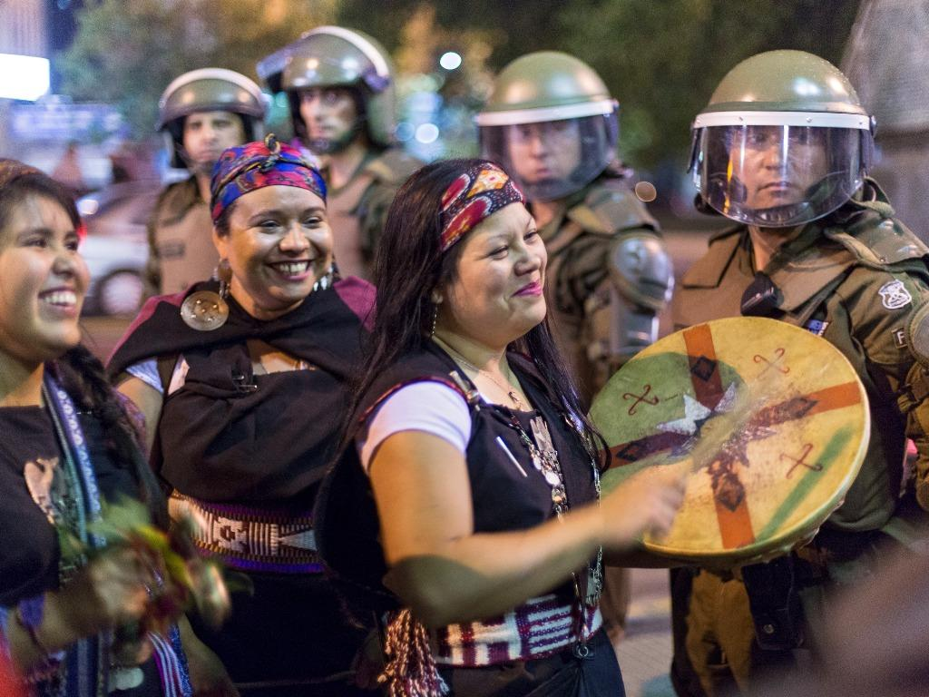 Mapuche demonstrieren in Santiago